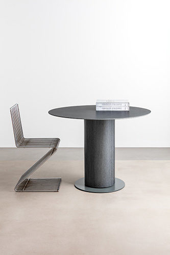 #006 table
